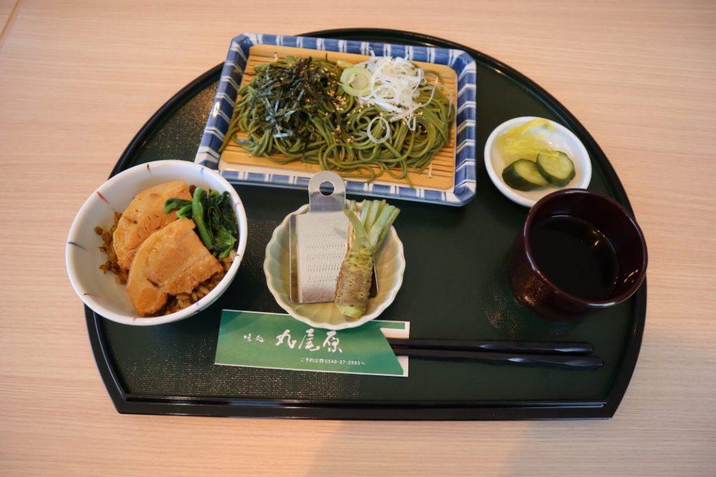 ミニ角煮丼付き茶そば