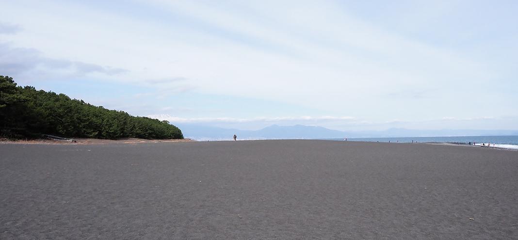 三保の松原_広い浜辺