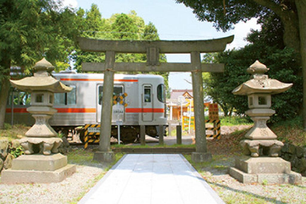 御殿場線諏訪神社